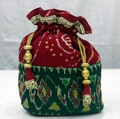 Fabric Handbags, Fabric Bags, Indian Wedding Gifts, Jute Tote Bags, Potli Bags, Ethnic Bag, Diy Clutch, Diy Bags Purses, Fancy Tops