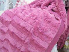 GORGEOUS ~ Pink faux sable fur throw blanket | eBay