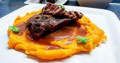 Brazírovaná hovězí líčka s batátovým pyré Steak, French Toast, Beef, Breakfast, Food, Meat, Morning Coffee, Essen, Steaks