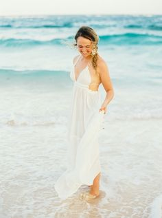 Beach wedding dress   Lucy Cuneo Photography   see more on: http://burnettsboards.com/2014/10/bermuda-bridals/