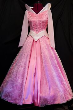 NEW Pink Swirls ADULT Sleeping Beauty Aurora Costume by ****** Costume? I would totally wear this to work! Disney Princess Dresses, Cinderella Dresses, Princess Costumes, Disney Dresses, Disney Outfits, Aurora Costume, Aurora Dress, Fancy Dress, Pink Dress