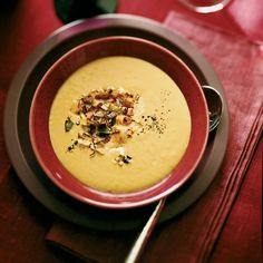 Marcia Kiesel knew this lush leek soup would be a great complement to left bank Bordeaux because of the wine& firm structure. More Warming Sou. Wine Recipes, Soup Recipes, Cooking Recipes, Yummy Recipes, Cooking Tips, Vegetarian Recipes, Cooking With Red Wine, Leek Soup, Grand Cru