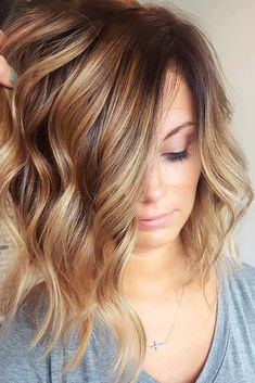 Light Brown Hair with Highlights #WomenHairColorSummer