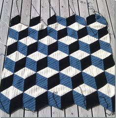 isometrisk | by sols(tr)ikke | crochet  (This would make a cool painted rug for wooden floors/porches)