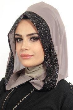 Disney Wedding Dresses, Hijab Bride, Pakistani Wedding Dresses, Pashmina Hijab Tutorial, Turban Hijab, Muslim Brides, Nigerian Weddings, African Weddings, Neck Scarves