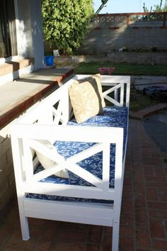 DIY outdoor bench with plans $40.00. Great website with many plans for easy to build projects.