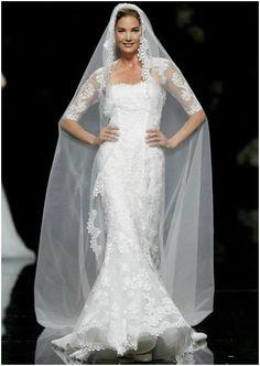 Vestido de novia con velo, de Pronovias 2013. Foto: Pronovias