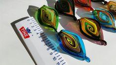 Mange fine glassanheng. Til smykker, nøkkelring er, veskepynt++ | FINN.no