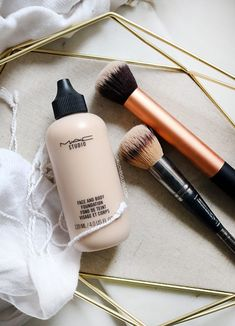 mac foundation How to Use MAC Face and Body Foundation Girl Loves Gloss Best Mac Products, Makeup Products, Beauty Products, Makeup Tools, Makeup Ideas, Body Foundation, Makeup Foundation, Best Mac Foundation, Mac Face And Body