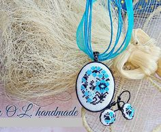 Artículos similares a Micro embroidery set blue Ukrainian embroidery of Necklace and Earrings, Hand Embroidery, Gift for women, embroidered jewelry en Etsy Keep Jewelry, Unique Jewelry, Victorian Flowers, Red Flowers, Silver Color, Hand Embroidery, Gifts For Women, Cross Stitch, Fashion Jewelry