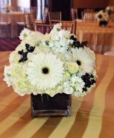 Black and white wedding at the hotel thayer