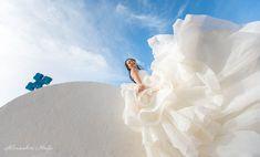 Santorini photographer Alexander Hadji: book a photo shoot now! Santorini Photographer, Santorini Wedding, Bright Colours, Wedding Photos, Photoshoot, Disney Princess, Light Colors, Marriage Pictures, Vivid Colors