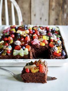 Crazy sjokoladekake i langpanne Danish Dessert, Cereal, Pudding, Den, Breakfast, Desserts, Food, Cakes, Random