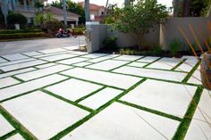 29 New Ideas Backyard Grass Landscaping Concrete Pavers Backyard landscaping concrete pavers Large Backyard Landscaping, Driveway Landscaping, Backyard Patio Designs, Modern Landscaping, Driveway Ideas, Pavers Ideas, Landscaping Melbourne, Modern Backyard, Landscaping Design