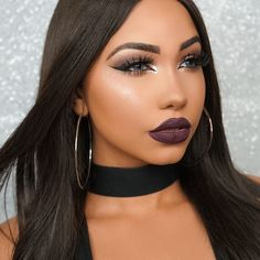 Obsessed with this highlight @artistcouture 'sugar daddy' use code FASHIONFREAK for a discount  Lips: @liplandcosmetics 'gilt' use code MELLY for a discount