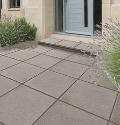 Textured paving gives you the best of both worlds - contemporary flair and durable functionality. 1930s Semi Detached House, Halifax West Yorkshire, Decorative Aggregates, 1930s House, Rear Extension, Garden Edging, House Extensions, Open Plan Kitchen, Ground Floor