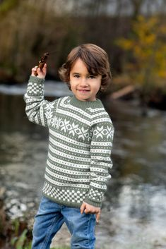 DG309-10 Fanagenser kids jadegrønn | Dale Garn Knitting For Kids, Turtle Neck, Children, Boys, Sweaters, Pattern, Auntie, Design, Ideas