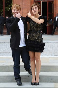 Emma Watson Photos - (UK TABLOID NEWSPAPERS OUT) Emma Watson and Rupert Grint attend a photocall for Harry Potter and the Deathly Hallows at The Renaissance St Pancras Hotel on July 6, 2011 in London, England. - Emma Watson Photos - 3834 of 5797