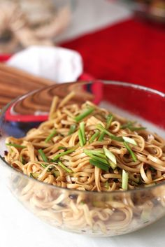 This will be perfect to pack in the cooler for baseball games this weekend.Spicy Cold Noodles, like a Chinese pasta salad Asian Noodle Recipes, Asian Recipes, Healthy Recipes, Ethnic Recipes, Healthy Options, Healthy Eats, Yummy Recipes, Spicy Asian Noodles, Sesame Noodles