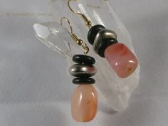 *Zauberhafte Ohrhänger mit Karneolsteinen.*    +Dazu passt das Collier mit Karneolsteinen. Das Angebot gilt nur für die Ohrhänger.+