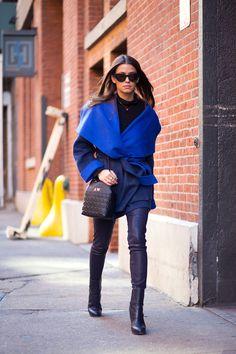 Amanda Weiner in Altuzarra coat and Reese Hudson bag - NEW YORK FASHION WEEK STREET STYLE: FALL 2015 - - HarpersBAZAAR.com