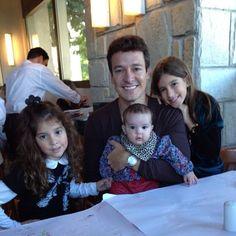 .@rodrigofaro (rodrigofaro) s Instagram photos | Webstagram - the best Instagram viewer  Pai e 3 meninas lindas  perfeita