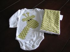 giraffe appliqued onesie... I suppose i'd have to do a regular shirt now for N since he's not a baby anymore :(