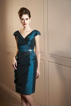 Elegant Knee-length Mother of the Bride Dress with Capped Sleeves