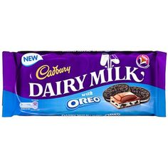 Dairy Milk Oreo bar is very much like the original Cadbury milk chocolate bar although it has also incoperated the blue from Oreo packaging in a suttle but effective way that still shows it is a cadbury chocolate. Milka Chocolate, Cadbury Dairy Milk Chocolate, Chocolate Brands, I Love Chocolate, Chocolate Gifts, Chocolate Lovers, Candy Recipes, Baby Food Recipes, Miniatures