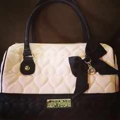 My new purse <3 I'm in love!!