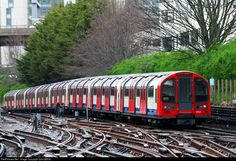 Net Photo: 91261 London Underground 1992 Stock EMU at London, United Kingdom by London Underground Train, London Underground Stations, London Transport, Public Transport, Union Jack, London Overground, Tube Train, Beautiful London, U Bahn