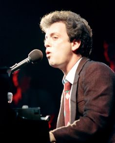 The original piano man - Billy Joel himself. This is the guy that got me into playing the piano when I was only 5 or 6. I know, I was like the coolest kid ever, right? LOL ;-)