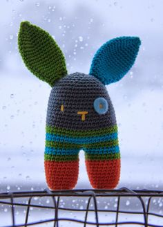 ❤︎   crocheted two leg rabbit rattle -  link to free pattern (scroll to bottom for english version)   -  ak at home