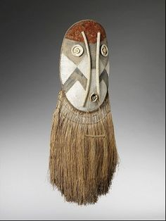 "Kamayura Mask of Rio Xingu, Brazil; ""this mask represents those worn by the spirits when they occupy the position of humans."" Paris' Musee du Quai Branly"