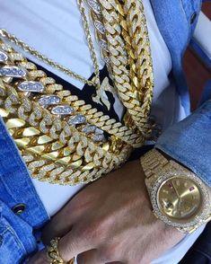 Make Money Online, How To Make Money, Dollar Money, Diamond Ice, Heart Keyring, Diamonds And Gold, Cute Jewelry, Chanel Boy Bag, Gold Watch