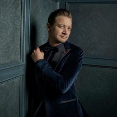 Jeremy Renner visits Vanity Fair's 2017 #ESPYS portrait studio. To see more exclusive portraits from @ESPN's 25th annual awards featuring athletes and stars alike follow the link in bio. Photograph by @MarkSeliger.  via VANITY FAIR MAGAZINE OFFICIAL INSTAGRAM - Celebrity  Fashion  Politics  Advertising  Culture  Beauty  Editorial Photography  Magazine Covers  Supermodels  Runway Models