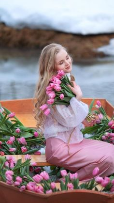 Romantic Images, Girls With Flowers, Girly Pictures, Pink Tulips, Asian Woman, Pretty In Pink, Flower Power, Sexy Women, Flower Girl Dresses
