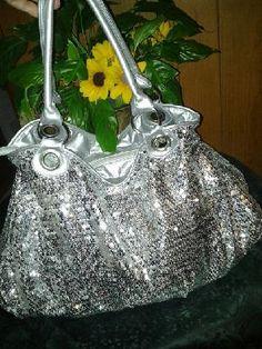 V pretty eveing handbag tote purse free ship for $24.99