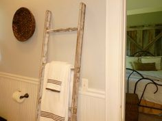 Can't find a vintage ladder - no problem TUTORIAL how to build and age a ladder!!!!!