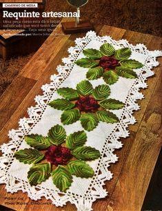 Delicadezas en crochet Gabriela: Dos caminos de mesa con flores y hojas