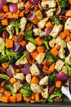 Garlic Herb Chicken & Sweet Potato Sheet Pan Meal Prep is the easiest and most delicious way to have your meals cooked and ready to go when short on time Meal Prep Ideas + Keto Recipes for Fat Loss & Muscle Building Healthy Meal Prep, Healthy Dinner Recipes, Healthy Eating, Cooking Recipes, Keto Recipes, Healthy Food, Thai Cooking, Cooking Rice, Cooking Hacks