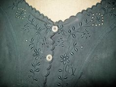 reserved MARIKA a nice old shirt embroidered and scalloped