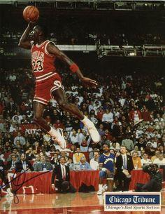 Michael Jordan 11x17 color photo signed autographed Chicago Tribune poster