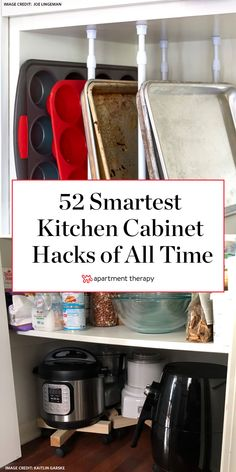 The 52 Best Kitchen Cabinet Organization Ideas of All Time You need to tailor your storage decisions to the ways that will best serve you and how you work in the kitchen. So here are over 50 real photos for inspiration. Best Kitchen Cabinets, Farmhouse Kitchen Cabinets, Smart Kitchen, Kitchen Items, Kitchen Decor, Diy Kitchen Island, Kitchen Counters, Kitchen Pantry, Country Kitchen