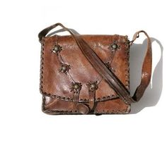 "This reminds me of a leather messenger bag I had in my childhood that went ""missing"". I want, I want, I want!"