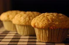 Nejlepší kokosové muffiny? Recept, který vás (skoro) dojme Cap Cake, Coconut Muffins, Baked Goods, Ham, Cooker, Brownies, Food And Drink, Healthy Recipes, Breakfast