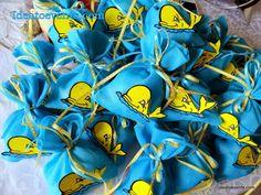 Μπομπονιέρα βάπτισης πουγκάκι γάζα με χειροποίητο baby φαλαινάκι για τον μικρό Λουκά Θεόδωρο. Christening favor pouches theme little baby yellow whale!Code N° MB0106