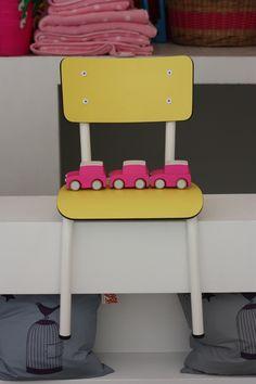 Chaise jaune les Gambettes