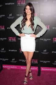 Google Image Result for http://images.starpulse.com/news/bloggers/8/blog_images/kendall-jenner-hollywood-style-awards.jpg
