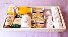 Lola Wonderful_Blog: Desayuno gourmet personalizado: Regalo para maestra Bussines Ideas, Gourmet Breakfast, Mail Gifts, Food Packaging, Homemade Gifts, Gift Baskets, Cake Toppers, Catering, Lola Wonderful